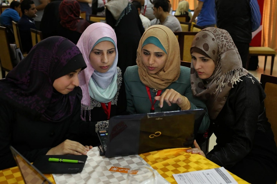 image.adapt.960.high.gaza_tech_startups_04a