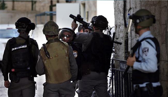 Israeli Forces Raid al-Makassed Hospital in East al-Quds