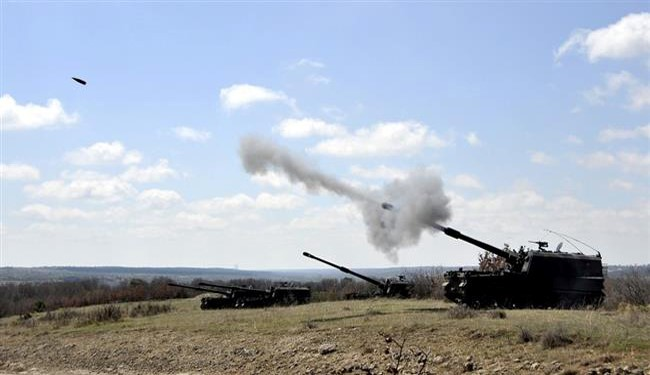 Turkish Army 155mm artillery firing (file photo)