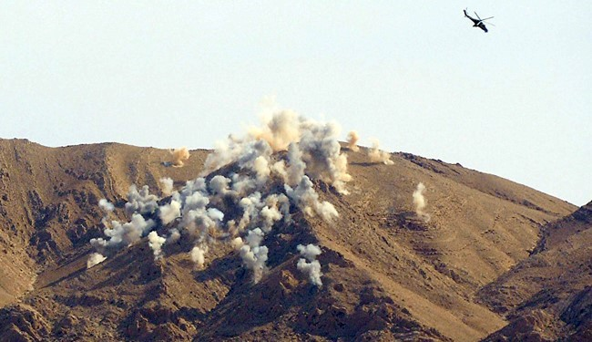 Syrian Warplanes Pound Daesh, Jabhat Al-Nusra Militants in Homs