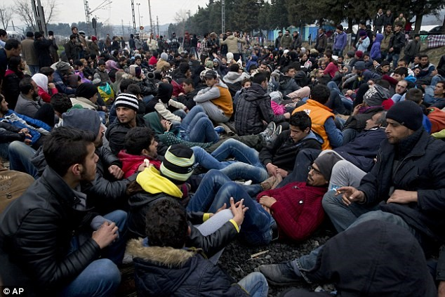 More Than 22,000 Migrants Left Stranded in Greece, Nowhere to Go