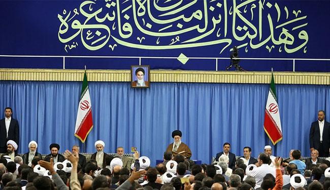 قائد الثورة الاسلامية يستقبل قراء وحفظة القران الكريم
