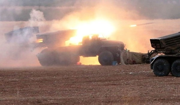 Syrian Army Forces Pound Nusra Front Militants in Daraa, Hama
