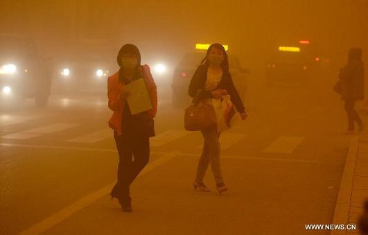 sandstorm-nw-china-23apr14