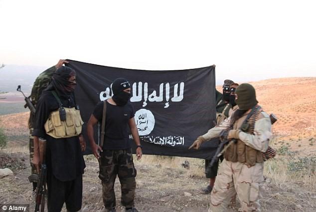 Crucifixion, 70 lashes, locking in cages, ISIS Punishment in Ramadan of Syria