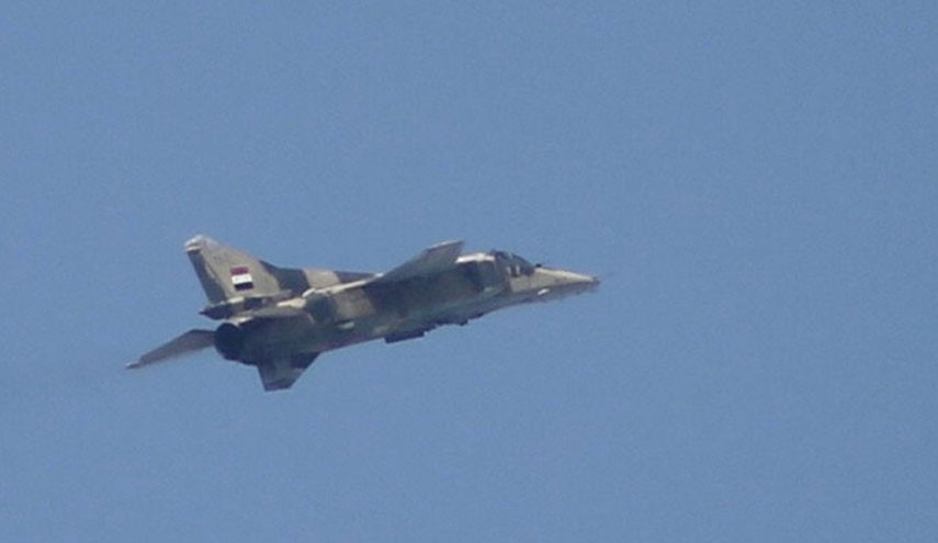 Syrian Air Force Destroys ISIS Convoy in East Hama