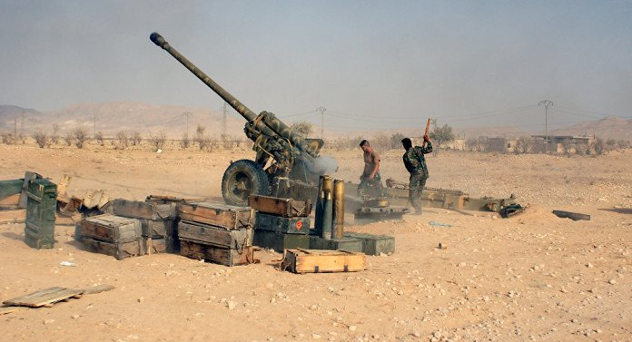 syrian-army-palmyra-outskirts-696x377