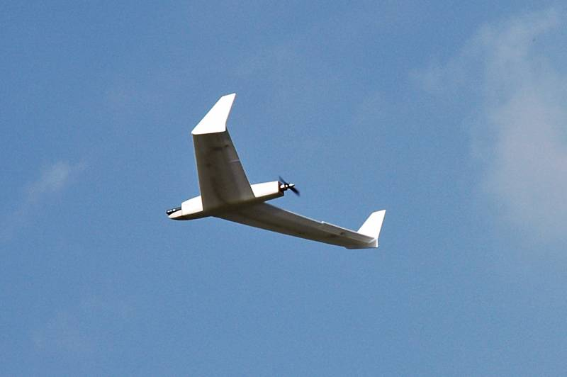 uav-flying-wing-05