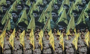 hezbollah-soldiers-mourn-001