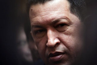 Photo of Chavez blasts Colombia over US military base plan