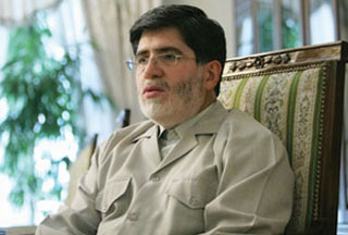 Photo of Ahmadinejad aide calls it quits