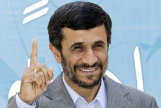 Photo of Ahmadinejad goes to Majlis for Cabinet consultation