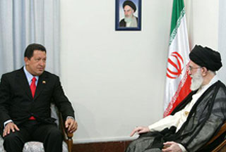 Chavez-with-Leader