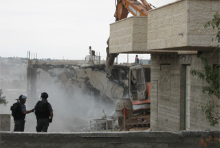 Photo of Israeli court orders demolition of Palestinian homes