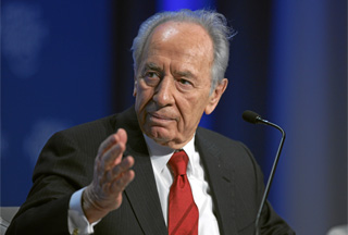 Photo of Peres: Israel should let US deal with Iran