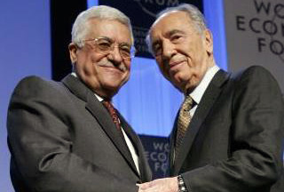 Photo of Peres calls Abbas 'colleague', asks him to stay