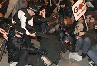 Photo of UK protesters blast Israeli Gaza blockade