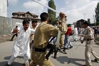 Photo of Indian troops kill three in Kashmir