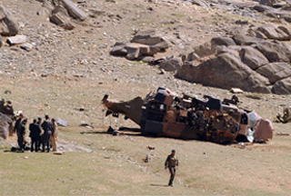 Photo of NATO chopper crashes in S. Afghanistan killing one