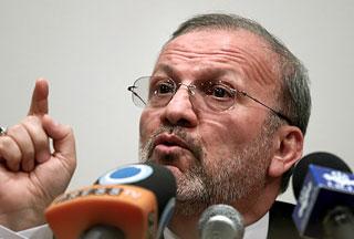 Photo of Iran warns UK against meddling