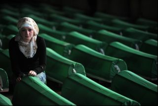 Photo of Bosnians honor Srebrenica victims