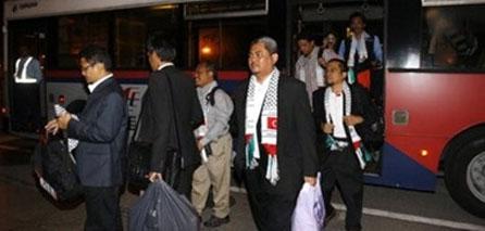 Photo of Arab Parliamentarians Enter Gaza To Deliver Supplies