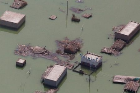 Photo of Iran to help rebuild flood-hit Pakistan
