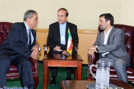 Photo of Ahmadinejad calls for Muslim unity