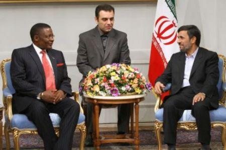 Photo of Ahmadinejad meets top Kenyan official