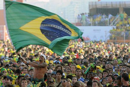 Photo of Brazilians vote in presidential polls