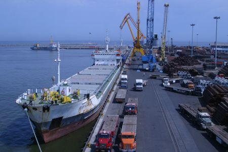 Photo of Iran boosts trade despite sanctions