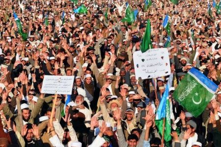 Photo of Thousands hold anti-US rally in Pakistan