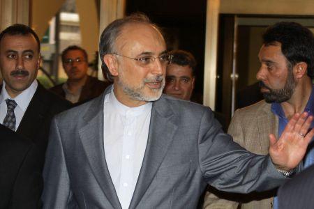 Photo of Iran backs Lebanon to resolve crisis