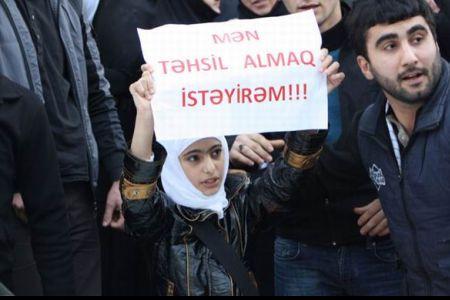Photo of Azerbaijani Muslims protest hijab ban