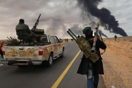 Photo of Libya fighting surges in major towns