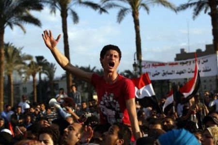 Photo of Egyptians Call on Tantawi to Resign !
