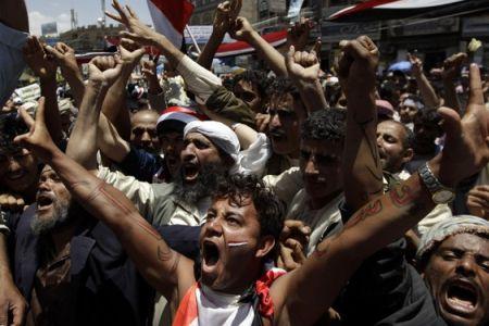 Photo of Yemenis renew call on Saleh to resign