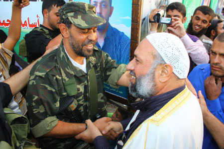 Photo of Qassam commander released after 18 years of captivit