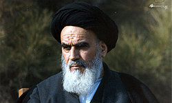 "Photo of Cleric Terms Imam Khomeini ""Role Model"" for World Nations"