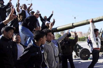 Photo of Libyan Revolutionaries move towards Tripoli