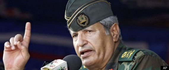 Photo of Libya revolutionaries' military chief dead