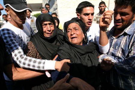 Photo of Zionist Occupation Israeli airstrikes hit eastern Gaza