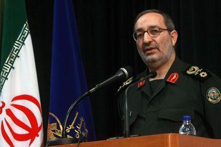 Photo of Iran commander welcomes Mubarak trial