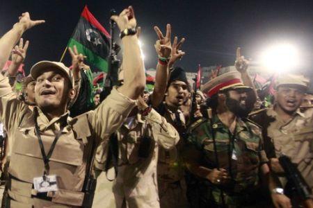 Photo of Libyans rejoice over Gaddafi's death