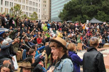 Photo of Police arrest 85 protesters in Oakland