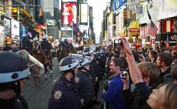 Photo of US Police Suppress Protesters in Cincinnati