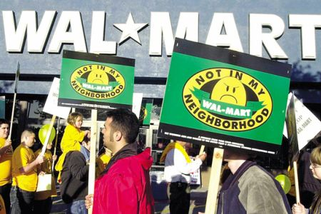 Photo of Police arrest ten in Occupy Wal-Mart