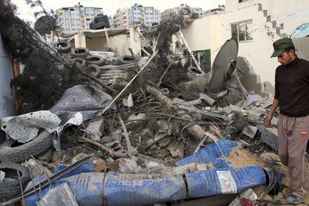 Photo of Gaza boy martyred of airstrike injuries