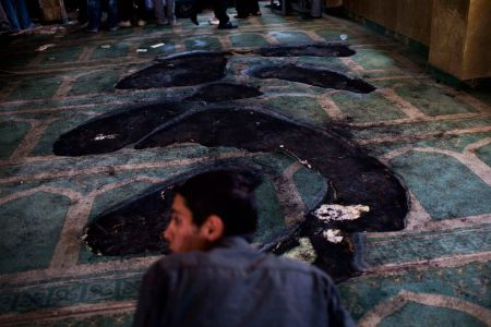 Photo of zionist israelis set fire to mosque in West Bank
