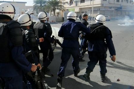 Photo of Bahrain forces kill infant with poison gas